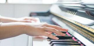 Bespaßung für japanische Kinder, Arbeitslosenquote steigt und wütende Musikschulen
