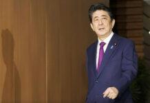 Premierminister Shinzo Abe gibt seinen Rücktritt bekannt